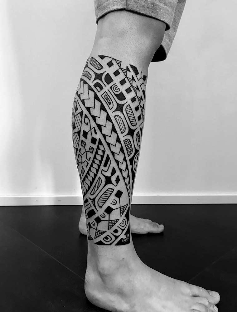 maori tattoo gamba milano Hive
